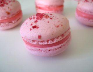 Rose macarons2