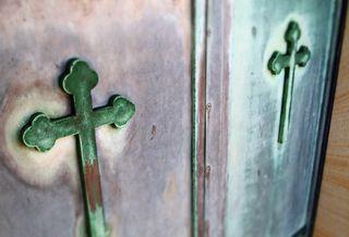 Crypt crosses