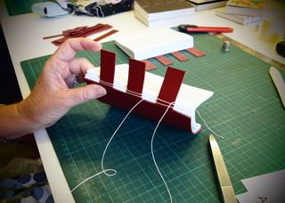 Cross-structure_sewing_2_sml