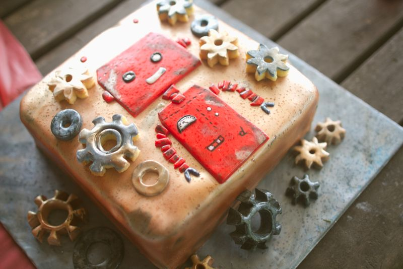 LittleD robot cake