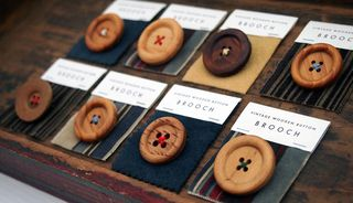 Vintage wooden buttons_side angled