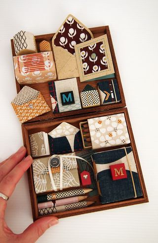 Shelbyville_UmbPrints_stationery_box_hand_overall_sml