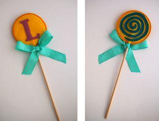 LetterL_Jodi_lollipop