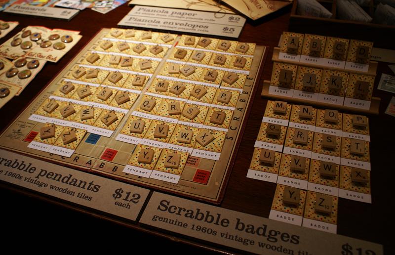 Scrabble_pieces_atmarket