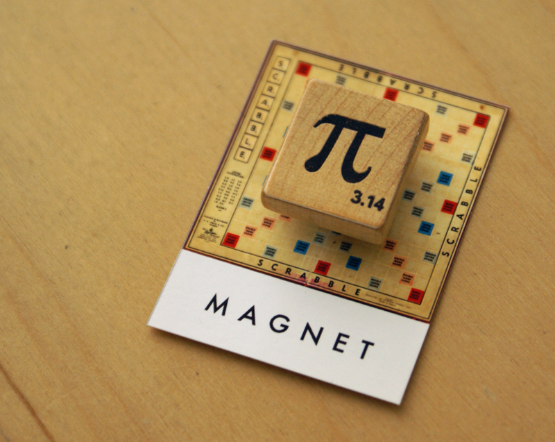 Scrabble_pieces_pi_magnet